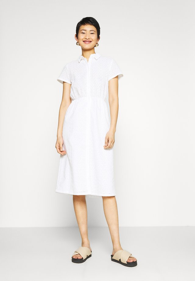 SHORT SLEEVE ANGLAISE DRESS - Košilové šaty - white