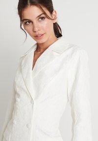 NA-KD - ZALANDO X NA-KD BLAZER DRESS - Juhlamekko - off white - 5
