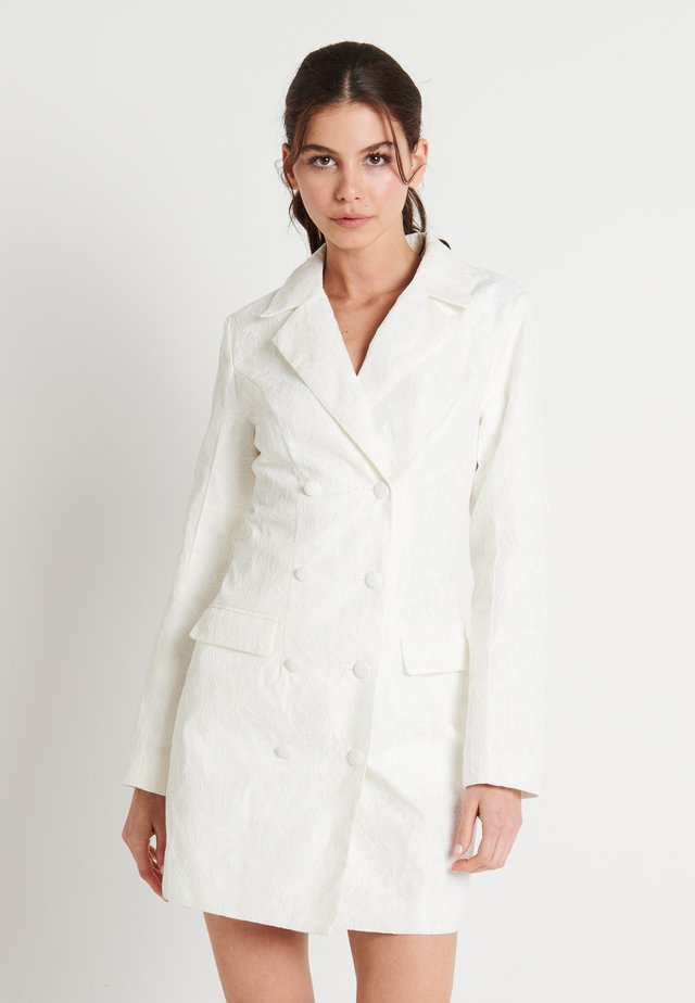 ZALANDO X NA-KD BLAZER DRESS - Juhlamekko - off white