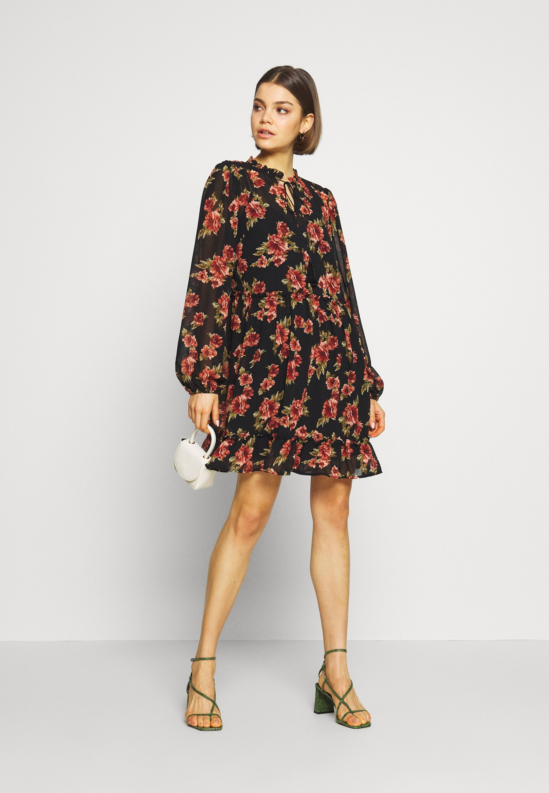 NA-KD FLOWY MINI DRESS - Sukienka letnia - black/red flowers