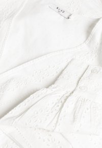 NA-KD - CROCHET DRESS - Denní šaty - white - 2