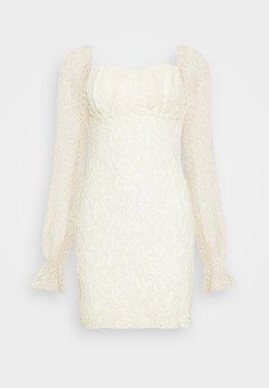 RUCHED MINI DRESS - Koktejlové šaty/ šaty na párty - off white