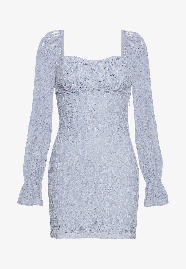 RUCHED MINI DRESS - Koktejlové šaty/ šaty na párty - dusty light blue