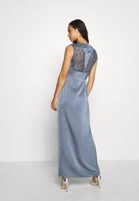 NA-KD - BACK DETAIL MAXI DRESS - Vestido de fiesta - stone blue - 2