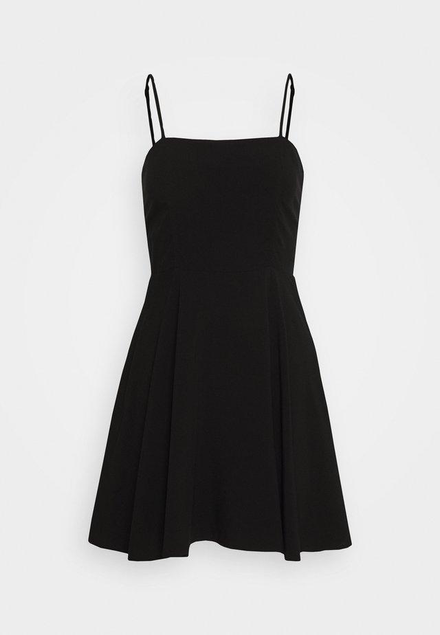 PAMELA REIF X NA-KD FLOWY MINI DRESS - Hverdagskjoler - black