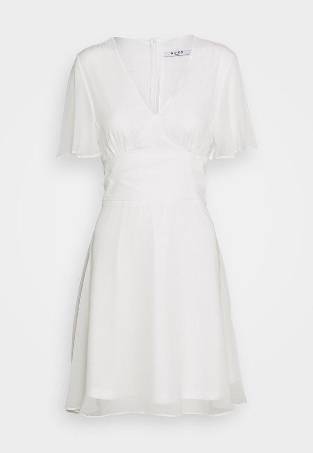 MARKED WAIST MINI DRESS - Vapaa-ajan mekko - white