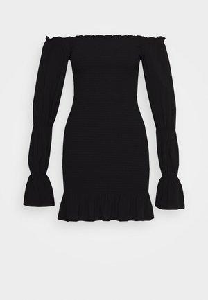 PAMELA REIF X NA-KD PUFFY SLEEVE SMOCKED DRESS - Vapaa-ajan mekko - black