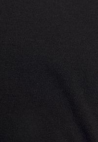 NA-KD - PAMELA REIF X NA-KD THIN STRAP DRESS - Sukienka koktajlowa - black - 3