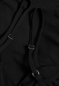 NA-KD - PAMELA REIF X NA-KD THIN STRAP DRESS - Sukienka koktajlowa - black - 2
