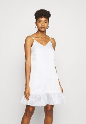 BOTTOM DRESS - Koktejlové šaty/ šaty na párty - white