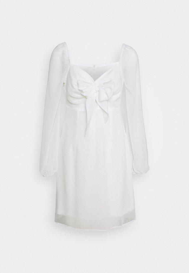 TIE FORNT DETAIL DRESS - Vapaa-ajan mekko - white