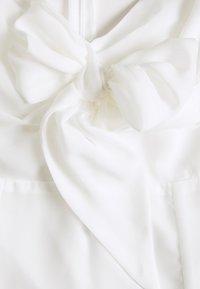 NA-KD - TIE FORNT DETAIL DRESS - Vestido informal - white - 2