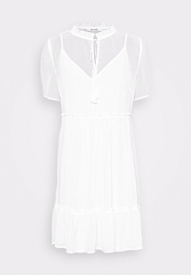 SHORT SLEEVE FLOWY MINI DRESS - Korte jurk - white