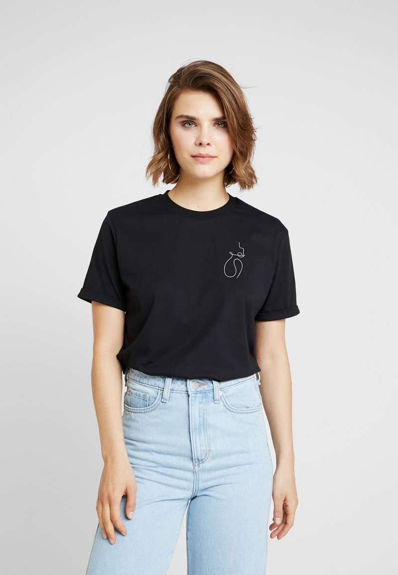 NA-KD - FACES I DONT KNOW SIGNATURE TEE - T-Shirt print - black