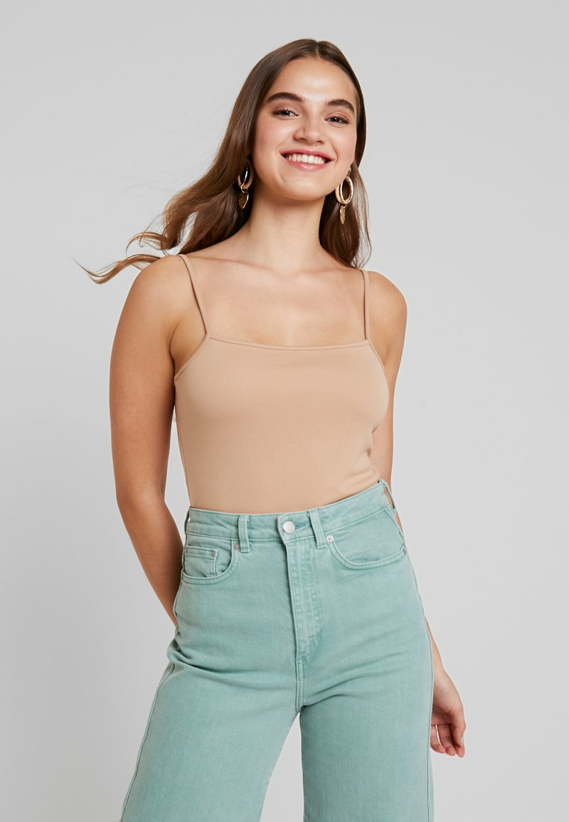 NA-KD - CROPPED SINGLET - Top - sand