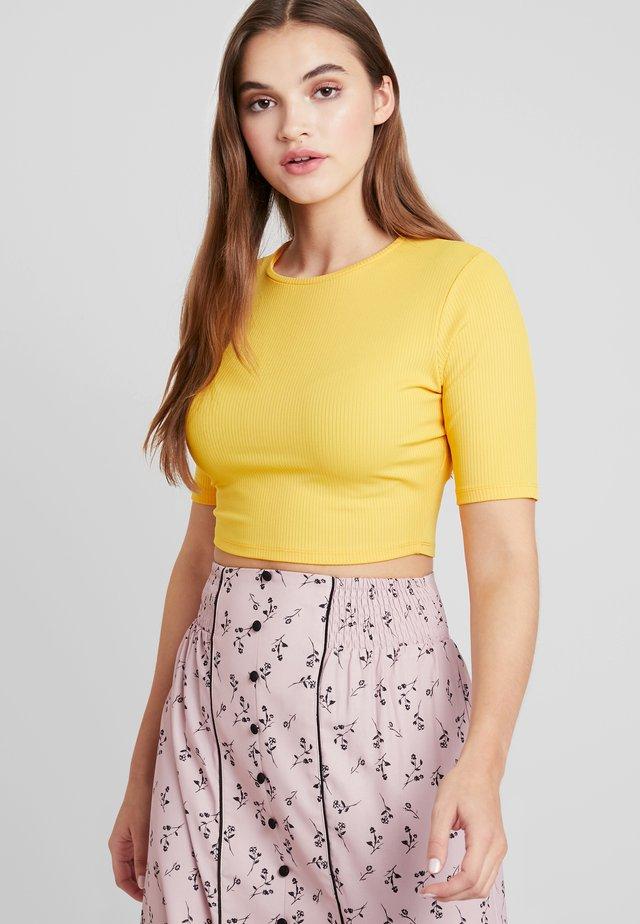 CROPPED - T-Shirt print - yellow