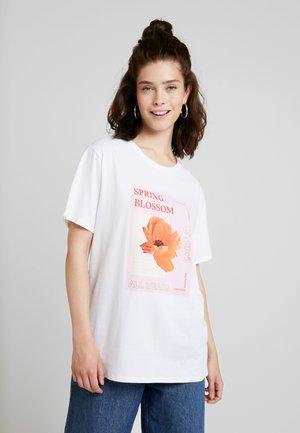 BLOSSOM OVERSIZED - T-shirts med print - optical white