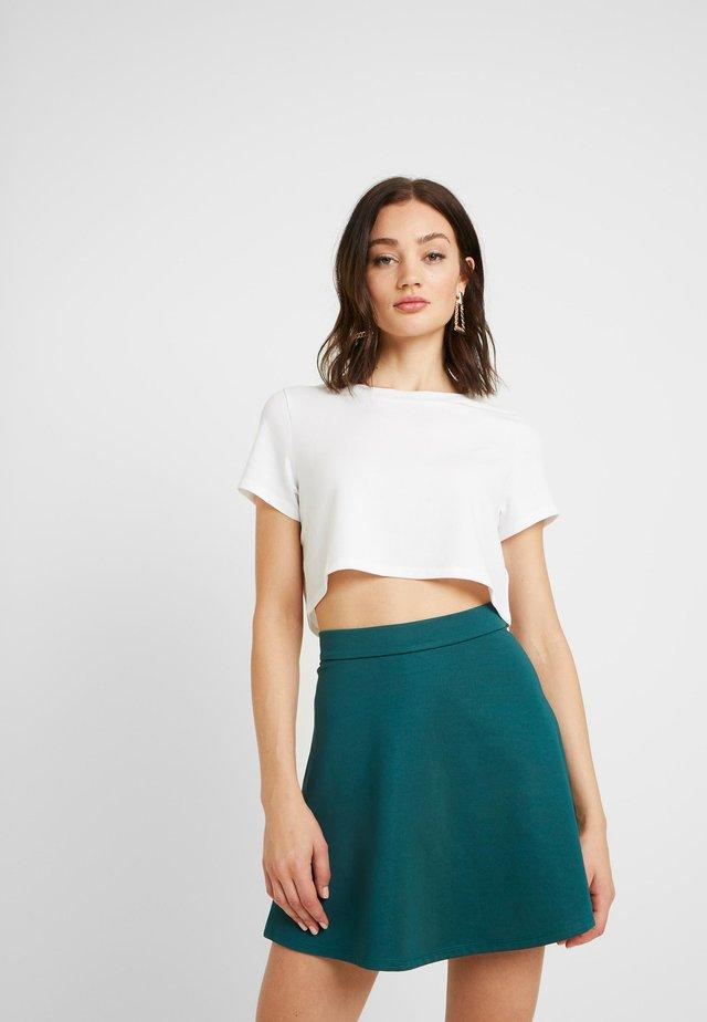 Pamela Reif x NA-KD RAW HEM CROPPED - T-Shirt basic - off white