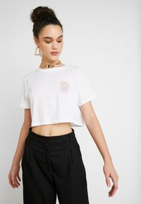 NA-KD - FLOWER CROPPED TEE - Print T-shirt - white - 3