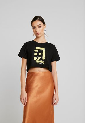SIGN CROPPED TEE - T-shirts med print - black