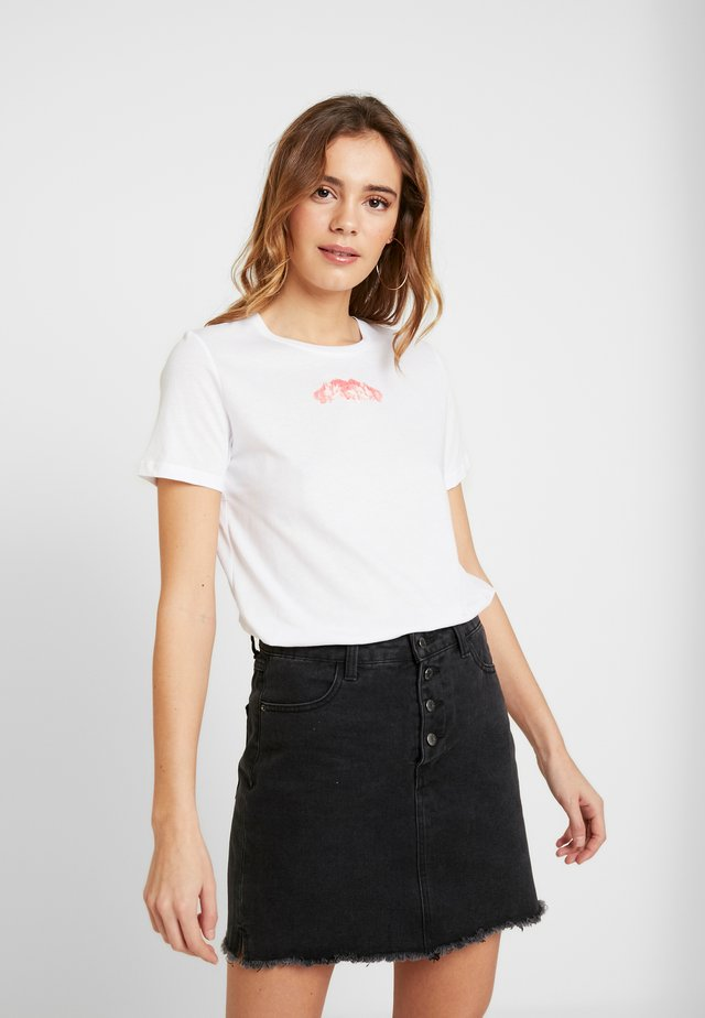 BASIC TEE - Print T-shirt - white