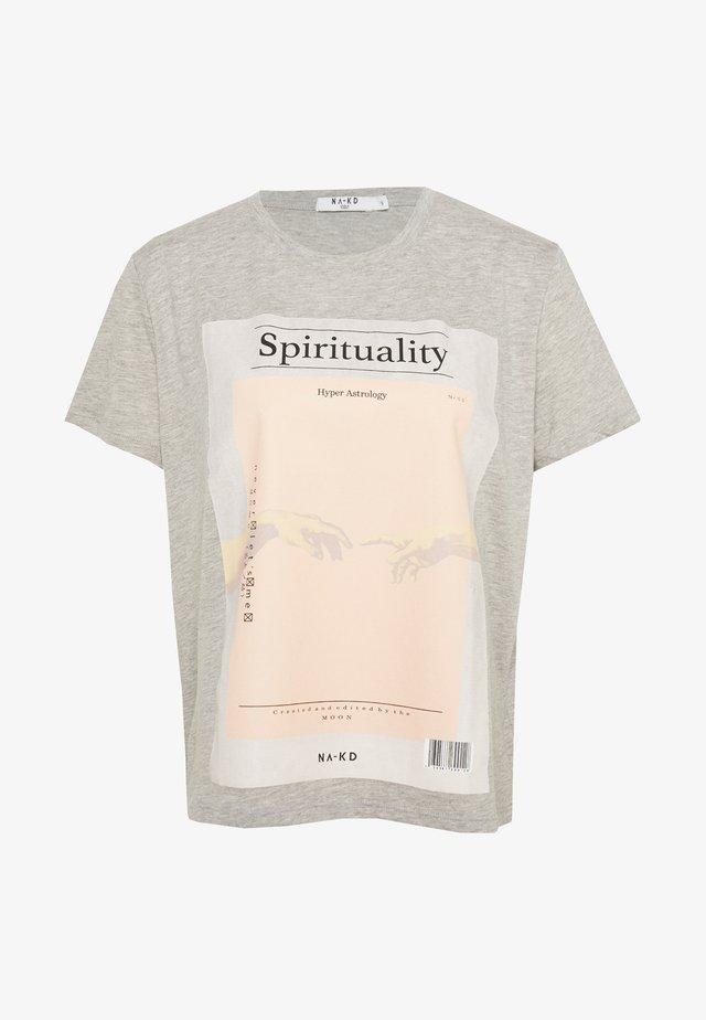 SPIRITUALITY OVERSIZED TEE - T-Shirt print - grey