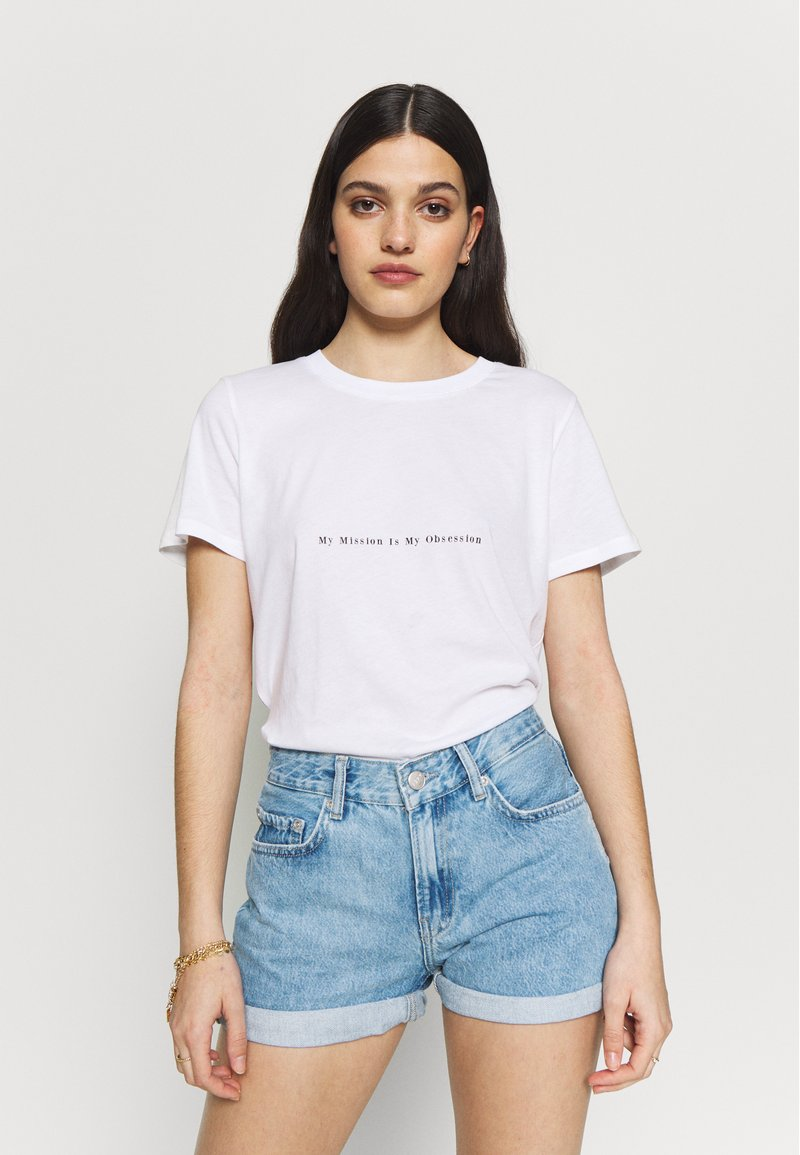 NA-KD - MY OBSESSION TEE - T-shirts med print - white