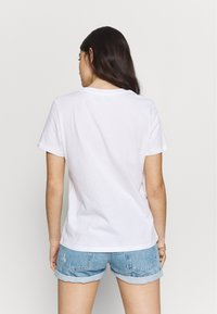 NA-KD - MY OBSESSION TEE - T-shirts med print - white - 2