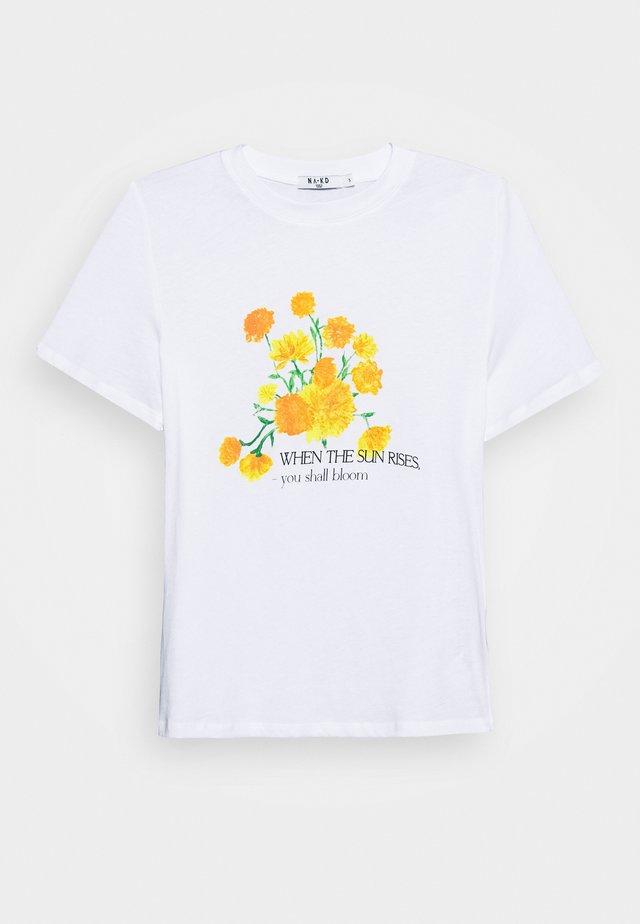 FLOWER TEE - Triko spotiskem - white
