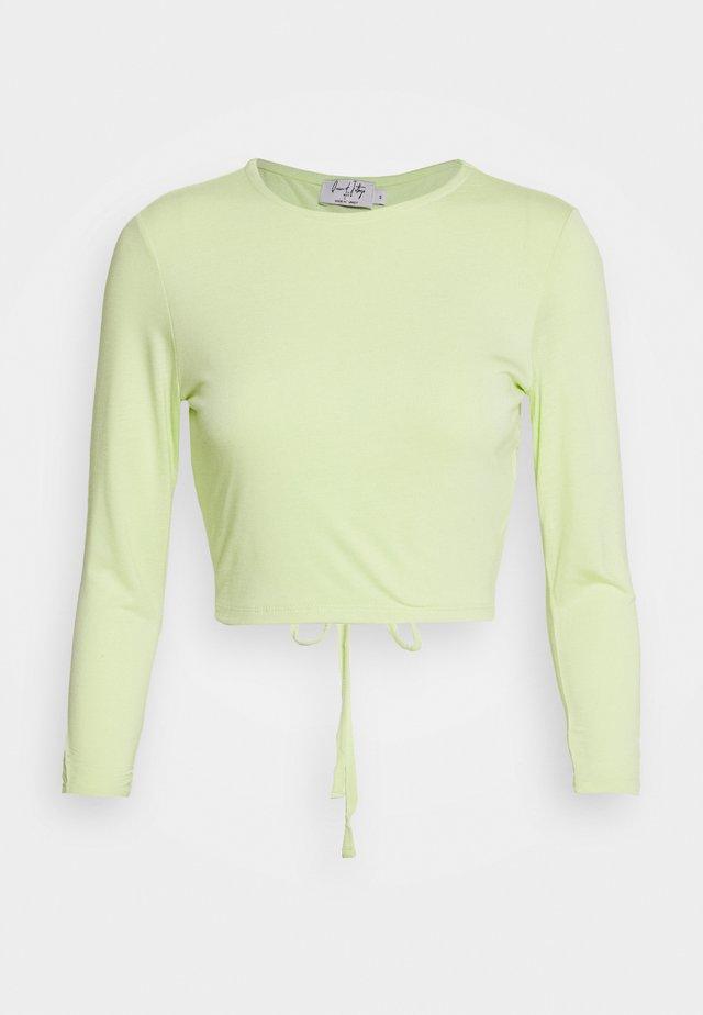 QUEEN OF JATLAGS  X NA-KD - Pitkähihainen paita - pastel green