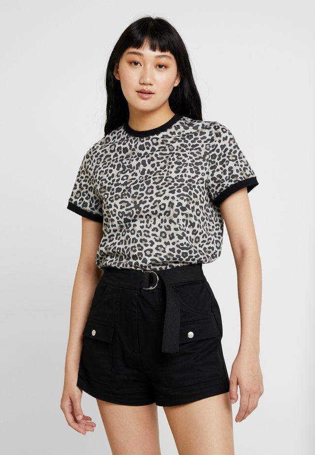 LINN AHLBORG TEE - T-Shirt print - brown