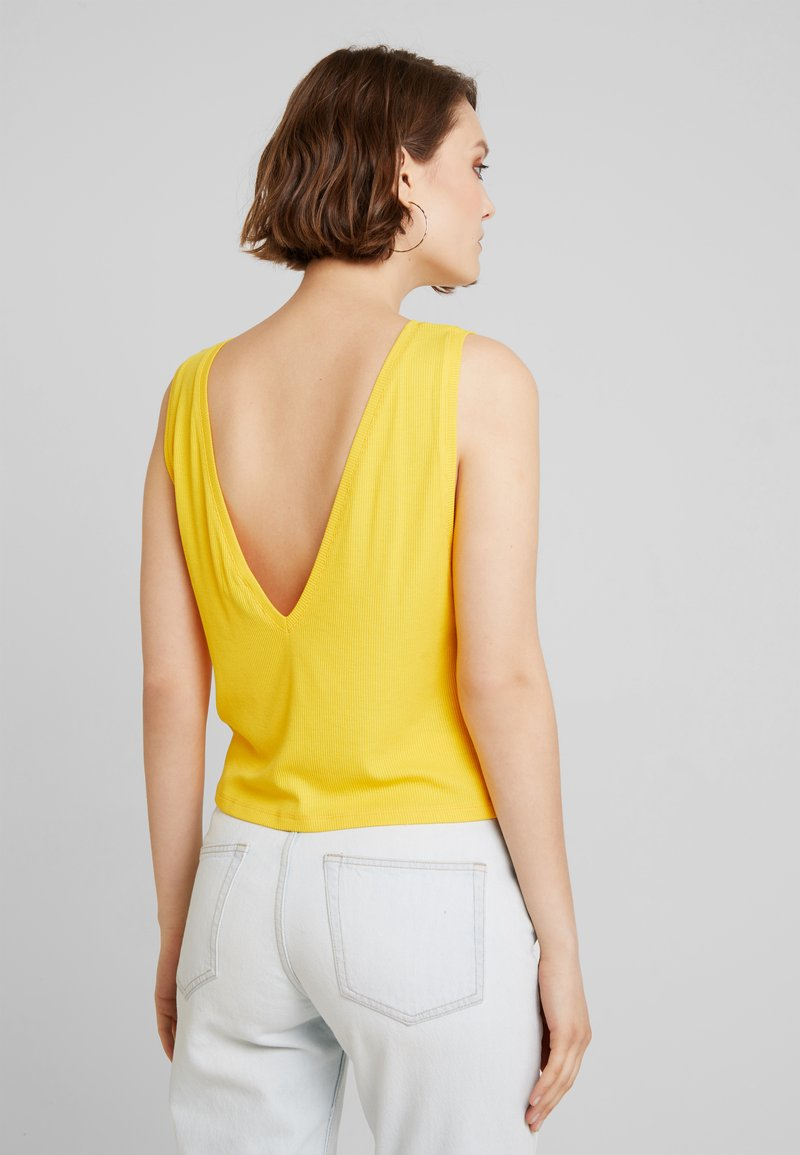 NA-KD - HOSS DEEP V BACK - Top - yellow