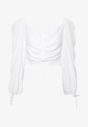Donna Romina x NA-KD - Bluser - white