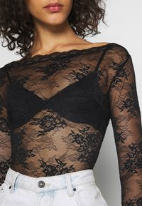 NA-KD - FLOWER BODY - Pusero - black - 5