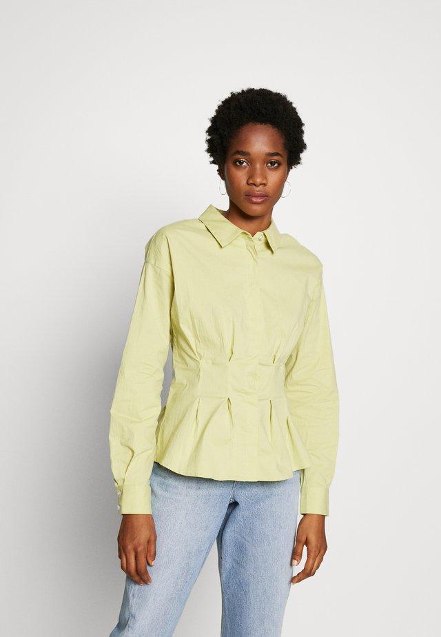GATHERED WAIST SHIRT - Button-down blouse - lime