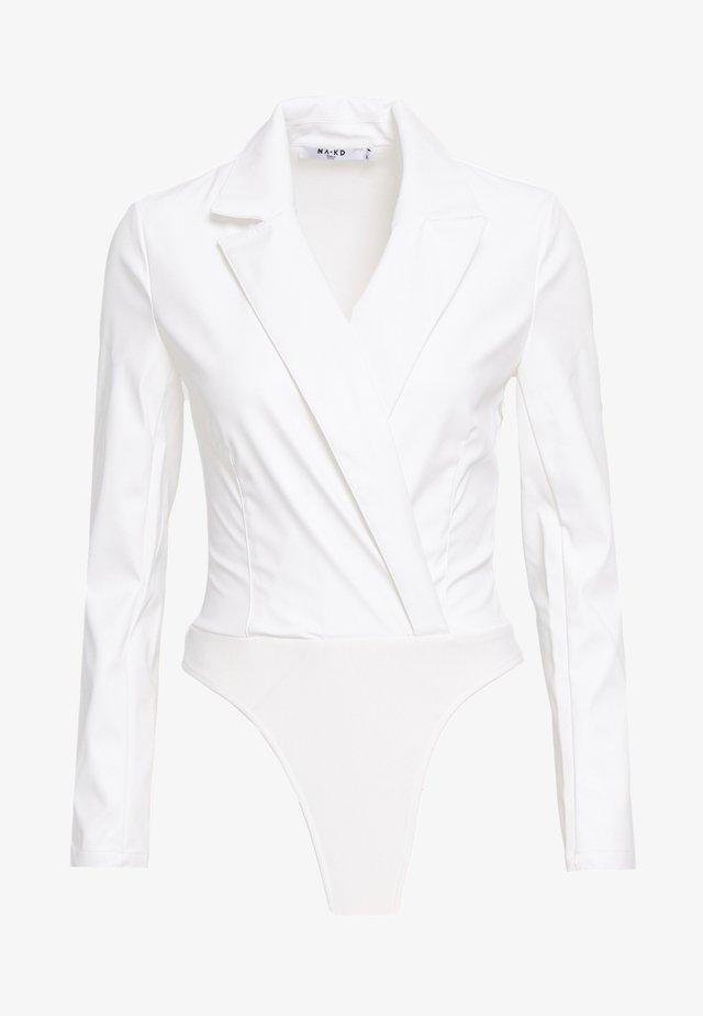 WRAPPED BODY - Pusero - white