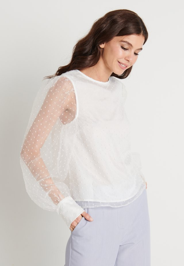 ZALANDO X NA-KD PUFFY SLEEVE BLOUSE - Bluzka - white