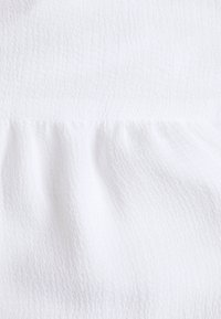 NA-KD - PAMELA REIF X NA-KD TIE DETAIL PUFFY SLEEVE - Blůza - white - 2