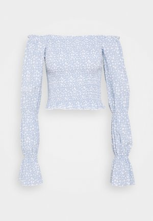 PAMELA REIF X NA-KD PUFFY SLEEVE SMOCKED - Blouse - light blue