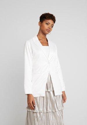 SHINY FITTED - Krótki płaszcz - white