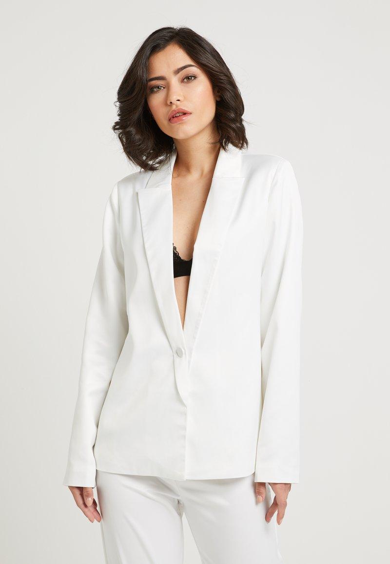 NA-KD - ZALANDO X NA-KD - Short coat - white