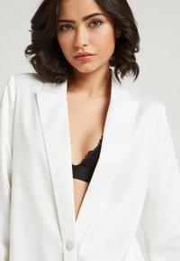 NA-KD - ZALANDO X NA-KD - Short coat - white - 4