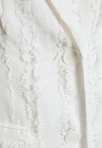 NA-KD - ZALANDO X NA-KD DETAIL BLAZER - Blazer - off white - 7