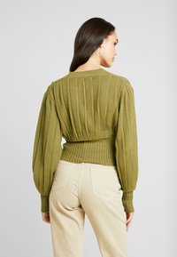 NA-KD - SHORT - Cardigan - olive green - 2