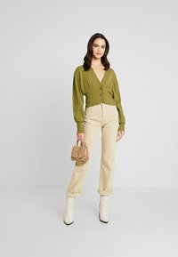 NA-KD - SHORT - Cardigan - olive green - 1