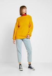 NA-KD - PUFF SLEEVE - Pullover - mustard - 1