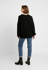 NA-KD - PUFF SLEEVE - Trui - deep black - 2