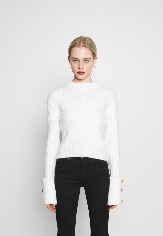 FOLDED SLEEVE - Stickad tröja - white