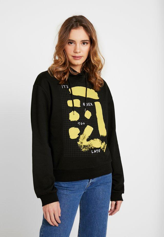 SIGN PRINT BASIC HOODIE - Bluza z kapturem - black