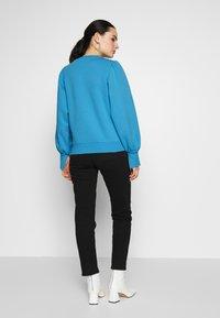 NA-KD - PUFF SLEEVE SPLIT CUFF  - Sweater - blue - 2